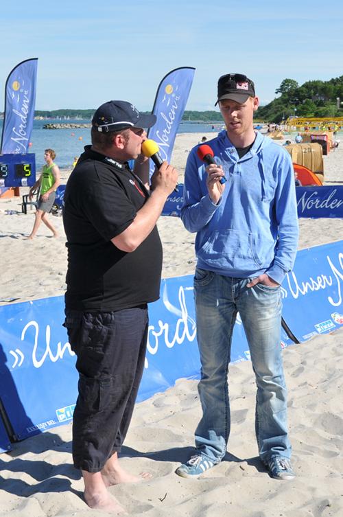 Ein Olympiasieger zum Anfassen: Jonas Reckermann besuchte Kiel und hielt im Regattahaus Schilksee einen Vortrag über das Thema Teambuilding. Copyright/Foto: Daniel R. Schmidt/CAU