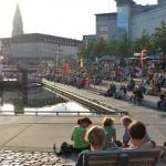 Das Publikum beim Bootshafensommer (Bild: Kiel-Marketing e.V.)