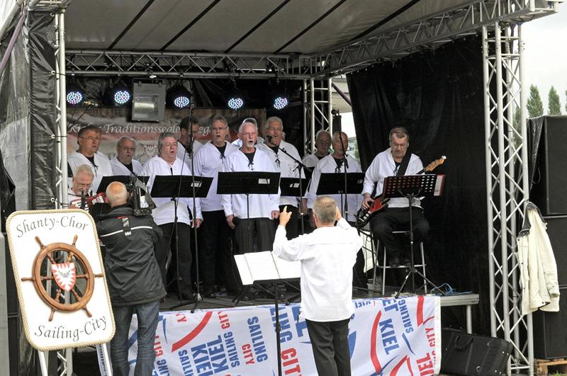 Der Kieler Shanty Chor ((c)Kiel-Marketing K.Steigueber).